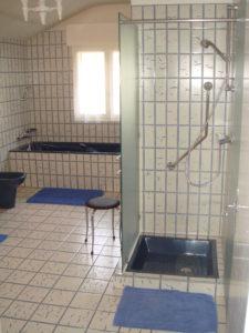 Arcusbyg har megen erfaring med levering nyt badeværelse. Se eksempel 2 her.