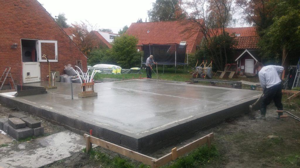 Arcusbyg eksempel 1 på støbning af fundament samt kloak