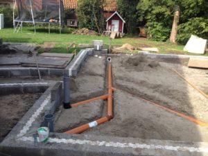 Arcusbyg eksempel 3 på støbning af fundament samt kloak